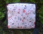 Roller Derby shoulder bag, zippered cross body bag, medium sized, Retro Derby Girls, The Raccoon