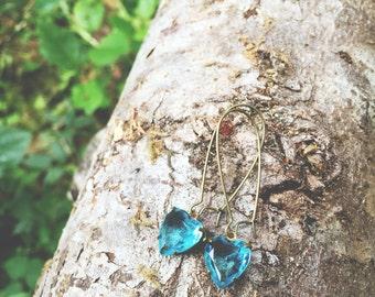 O c e a n...Vintage Faceted Blue Glass Heart, antiqued brass, boho, sweet, blue earrings, dainty, minimalist earrings FREE SHIPPING