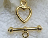 Gold tone toggle clasp heart design ring and bar clasp -3- small toggle clasp in gold finish 8 x 12 mm ring with 15mm bar