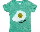Eggsactly T-Shirt - Green Organic Triblend