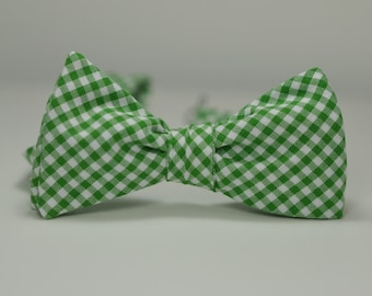 Kelly Green Men's Bow Tie,Kelly Green Gingham, Wedding Bow Tie, Groomsmen Tie, Freestyle Bowtie, Self Tie Bow Tie