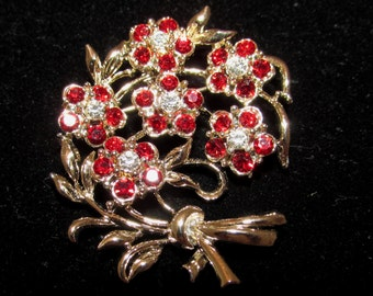 Lovely Vintage Gold Tone Metal and  Red Rhinestones Flower Bouquet Brooch Pin, 60s, costume jewelry