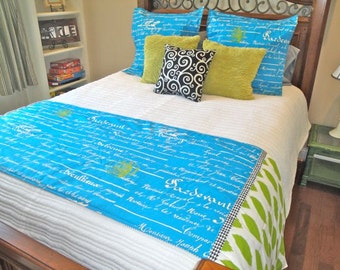 Penmanship Beautiful Bed Runner Set