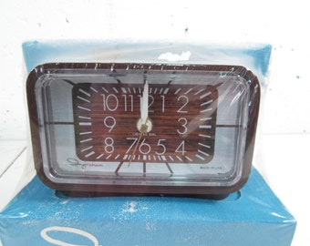Vintage Ingraham wood grain electric alarm clock, retro mid century, NIP