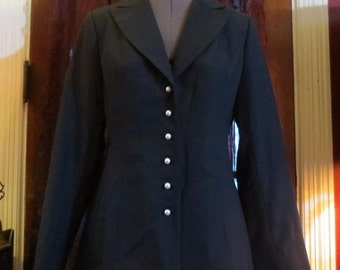 50% Off SALE Ladies Classic Chanel Blazer Beaute Black Fitted w/Pearl Buttons Size 2