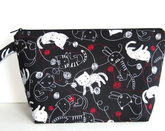 Wedge Bag, Sweater Project Size Knitting Bag, Kitties and Yarn on black