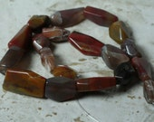 Natural agate faceted nuggets one 15-inch strand (item ID SZAN3)