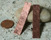 Hand hammered solid copper rectangle dangle size 50x10mm, 2 pcs (item ID LSCre50x10HK)