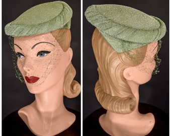 1950s 1960s Spring Green LUREX Hat with Veil