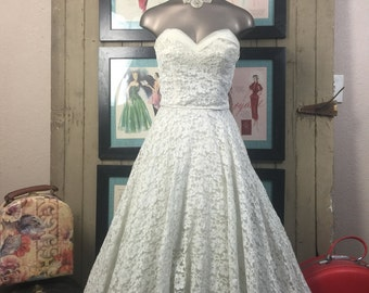 1950s party dress 50s tea length gown size x small Vintage wedding dress cream colored lace bridesmaid