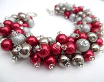Cranberry Red and Silver Gray Pearl Beaded Bracelet, Red Bracelet for Bridesmaids, Chunky Jewelry, Cluster Bracelet, Christmas Jewelry, Gift