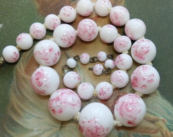 AS IS Vintage Milk Glass Pink Swirl Bead Necklace Japan