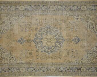 Camel Blue Medallion Rug Vintage 4.5' x 9.5'