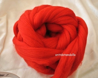 Merino wool rooving, red, for needlefelt, felting, spinning, weaving and more, made in Italy