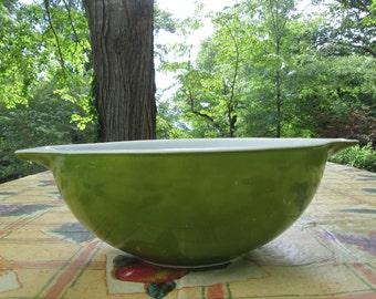 Vintage Pyrex Extra Large Mixing Bowl - Four Quart Verde Green Bowl