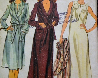 Vintage Sewing Pattern Vogue 9027 Misses' Robe and Gown Bust 36 inches Complete