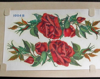 1940s DURO Decal Transfer Swags of Lush Red Roses and Buds Crafts Scrapbooking