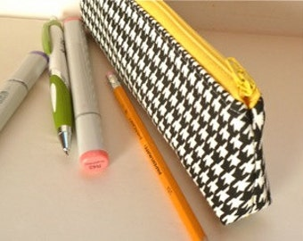 Slim Pencil Brush Zipper Pouch Makeup Pouch Black White Houndstooth Yellow Eco Friendly