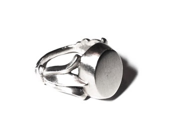 Lily signet ring in sterling silver (floral, Victorian)