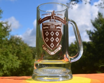 vintage 1971 beer mug QUINCY college university basketball holiday tournament glass stein 70s