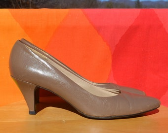 vintage 80s high heels PUMPS leather beige taupe brown 7.5 A narrow 7 1/2 selby 3 inch