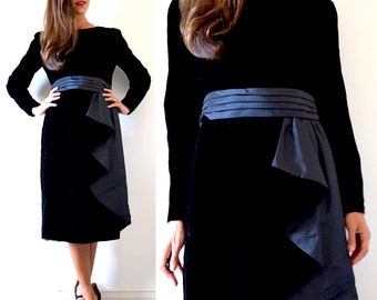 Vintage 60s 70s Black Velvet Wiggle Dress (size medium)