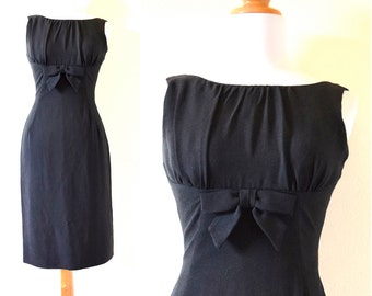 SUMMER SALE / 20% off Vintage 60s Black Hourglass Wiggle Dress (size xs)