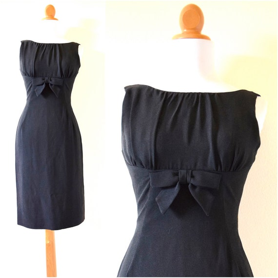 SPRING SALE/ 20% off Vintage 60s Black Hourglass Wiggle Dress (size xs)