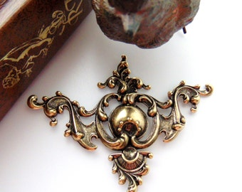 ANTIQUE BRASS Regal Medieval Ornate Corner Stampings - Jewelry Ornament Findings (C-1103) #