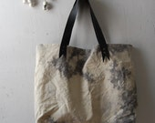 IMPERFECT snake tongue splatter tote black leather shoulder strap