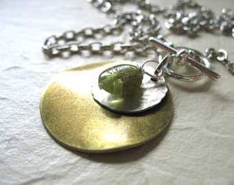 Peridot Necklace, Peridot Stone Metalwork Necklace, Handmade Pendant Gemstone Chain Necklace, Peridot Jewelry, Stone Necklace