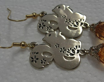 Gold Tone Squirrel Brown Gold Faceted Bead Dangle Pierced Earrings