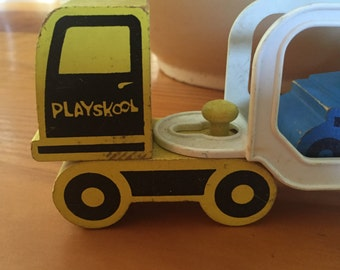 Playskool tractor trailer with 5 cars