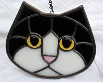 Stained Glass Tuxedo Cat Face Suncatcher with Golden Amber Eyes