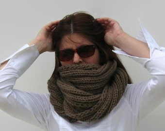 Coffee Brown Wool Loop Scarf, Chunky Hand Knit Cowl, Winter Wrap, Mens Womens Scarves, Neck Warmer, Circle Scarf, Thick Cowl, Unisex Cowl