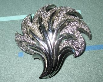 Only 5 Bucks.....Vintage MOD Trifari Silver Tone Feather Plume Mid Century Pin