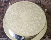 Silverplate Silve Plate Scrolled Coasters with Base Set of 6 TYCAALAK