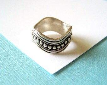 Sterling Silver Beaded Wavy Band Ring Size 6.5