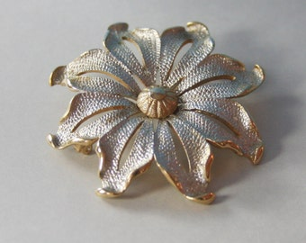 Brooch Gold and Silver Texture Sarah Coventry Maybe  1970s  No. BRO 0001