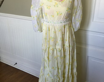 Vintage Tween Size Yellow Dotted Swiss Daisies Long Dress with Lace Trim