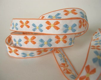 3 yards Bavarian BOWS Jacquard trim with peach and blue bows on white. 5/8 inch wide. V739-A