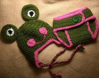 Newborn 0-3m crocheted Frog beanie & diaper cover photo prop outfit