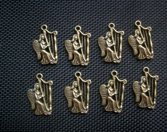 8 Angels Playing Harps Charms