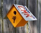Hanging Wren House - Rustic Birdhouse - Primitive Birdhouse - License Plate Birdhouse