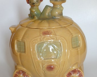 Brush McCoy Cinderella's Pumpkin Coach Cookie Jar - Free Shipping