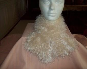 Beautiful offwhite knit fun fur scarf