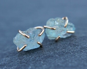 Raw aquamarine earrings - goldfilled or sterling silver - studs - organic studs - rustic earrings - freeform - rough aquamarine