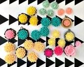 De-stash! Assortment of Flower Cabachons