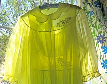 Vintage SHADOWLINE Peignoir Set LIME Lace Chiffon Mad Men