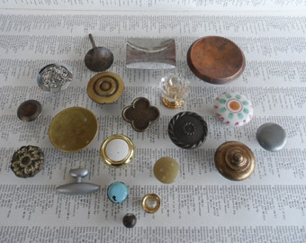 SALE! 20 piece lot mixed vintage mostly brass and metal knobs